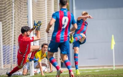 Cantero superant a Roberto en l'1-0 ahir a Bunyol | Levante UD