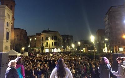 La segona manifestació feminista torna a mobilitzar 3.500 sabadellenques als carrers | Ràdio Sabadell