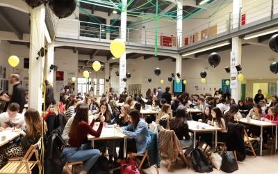 130 alumnes de l'ESDIassagen solucions per Vueling, Carnet Jove iGestmusic | Cedida