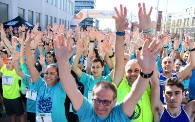Marea turquesa per lluitar contra el càncer avui a Sabadell | Roger Benet