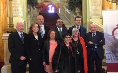 Mirna Lacambra al centre, a les escales del Gran Teatre del Liceu | Ràdio Sabadell