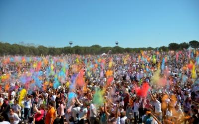Explosió de color al Holi de Sabadell | David Bisbal