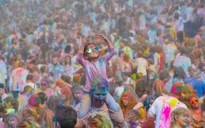Llançament de colors al Holi de Sabadell   Daniel Graell