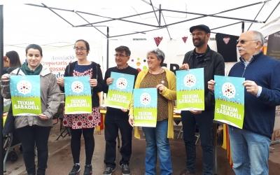 """Els membres de la Crida també han presentat el lema de campanya """"Teixim Sabadell""""/ Karen Madrid"""