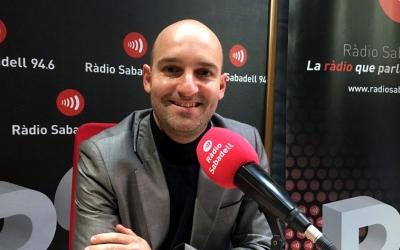 Adrián Hernández, als estudis de Ràdio Sabadell/ Pau Duran