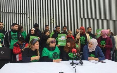 Els activistes de la PAHC durant la roda de premsa d'aquest matí | Ràdio Sabadell