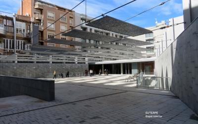 Plaça del solar de l'antic Euterpe/ Cedida