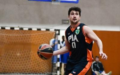 El base Jordi Gorina va jugar 21 minuts i va anotar 4 punts a Badalona. | Roger Benet