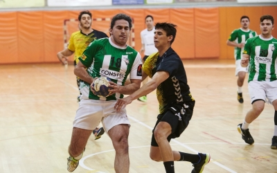 L'equip de Gerard Gomis va aconseguir empatar a la difícil pista del Mataró. | Èric Altimis - OAR Gràcia
