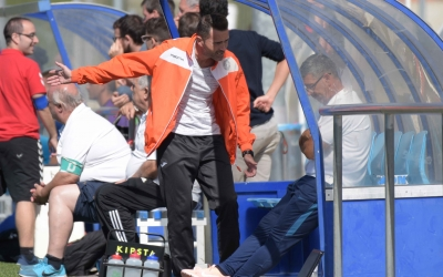 Jesús Rueda 'Betis'  no podrà tornar a asseure's a la banqueta taronja aquesta temporada | Roger Benet