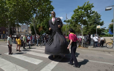 El Nuvi dels Gegants de la Creu Alta, ballant pel barri | Roger Benet