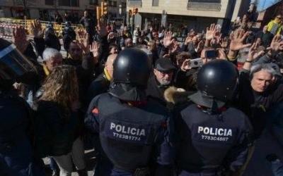Imatge del desplegament policial amb motiu de la visita de Millo a Sabadell | Roger Benet