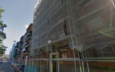 Bloc de pisos del carrer Archidona de Can Puiggener | Google Maps