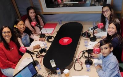 Representants del Consell dels Infants a Ràdio Sabadell | Pau Duran