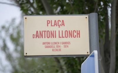 Placa de l'actual plaça Antoni Llonch/ Roger Benet