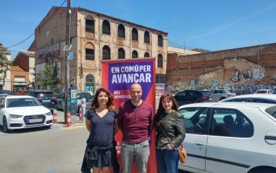 Alejandra Sandoval, Joan Berlanga i Rosa Morales, a l'aparcament del carrer Creueta | Pere Gallifa