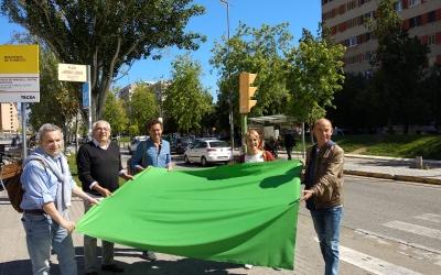 Lourdes Ciuró i part del seu equip defensen una Gran Via verda | Helena Molist