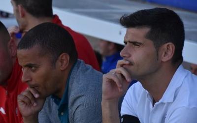 Antonio Hidalgo, juntament amb el seu segon, Juvenal Edjogo, en l'últim partit contra l'Ejea. | Críspulo Díaz