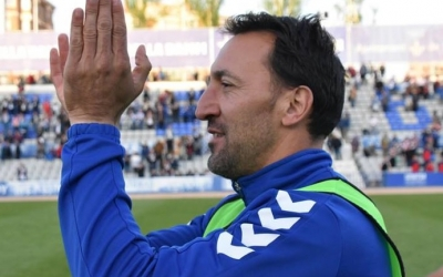 Migue saluda a l'afició en un dels últims partits de la temporada a casa | Críspulo Díaz