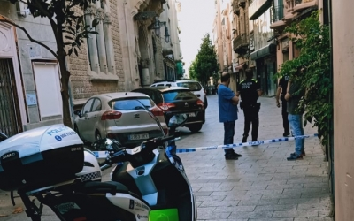 El carrer de Gràcia, acordonat per la Policia Municipal | Cedida