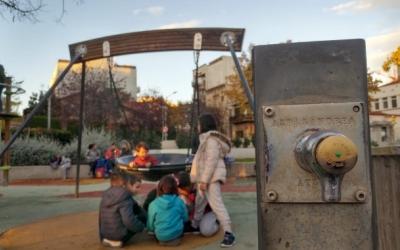 Àrea de jocs infantils de la plaça de la Creu Alta | Pere Gallifa