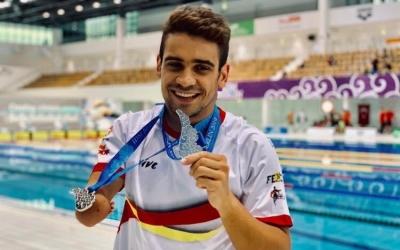Salguero lluint les dues medalles a Berlin   CNS