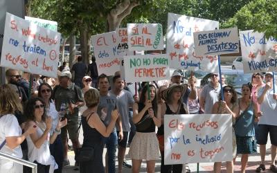 Protestes de la comunitat educativa de l'institut Miquel Crusafont | Roger Benet