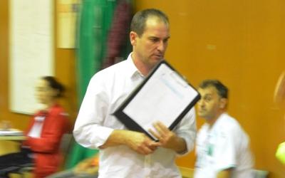 Pedro Donoso -a la imatge contra el Marfil Santa Coloma a la Copa- tornarà a dirigir la Pia | Arxiu RS946