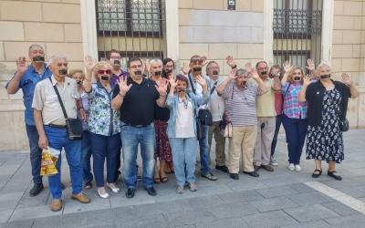 Militants d'Ara Sabadell, protestant abans del Ple | Pere Gallifa