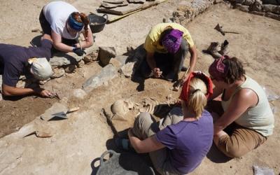 Arqueòlegs treballant en un jaciment | ACN
