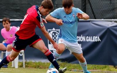 Rey disputant un partit amb el juvenil del Celta.   FGF
