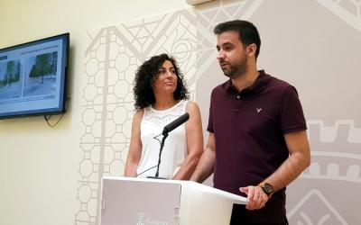Pol Gibert i Montse González durant la roda de premsa posterior a la Junta de Govern Local