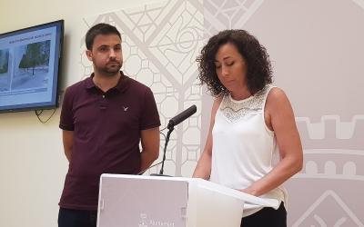 Montse González i Pol Gibert en roda de premsa