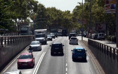 Vehicles circulant per la Gran Via   Roger Benet