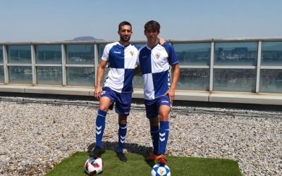 Grego Sierra (esquerre) i Aleix Roig (dreta) han estat presentats al terrat de la Torre Millenium. | Sergi Park