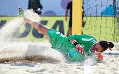 Mariajo Pons va ser titular en els tres partits de la selecció espanyola. | @SeFutbolFem