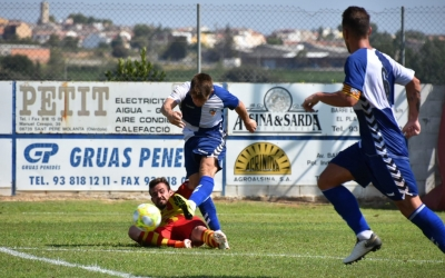 Aarón Rey xuta a porta en l'acció del 0-1 dissabte passat contra el Vilafranca | Críspulo Díaz