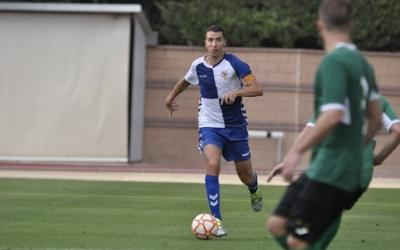 Capó traient la pilota des del darrere a l'Ascó-Sabadell de dissabte | Críspulo Díaz