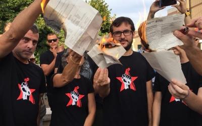 Els tres encausats sabadellencs dels 9 de Lledoners cremen les notificacions judicials | Ràdio Sabadell