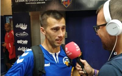 Lanzarote atenent a Ràdio Sabadell diumenge a Bunyol | Sergi Garcés