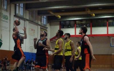 Can Colapi va ser l'escenari de la primera derrota de la temporada del Bàsquet Pia. | Sergi Park