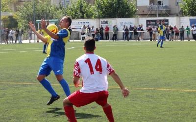 Carlos Silva controla una pilota en l'últim enfrontament del Sabadell Nord a casa | Adrián Arroyo