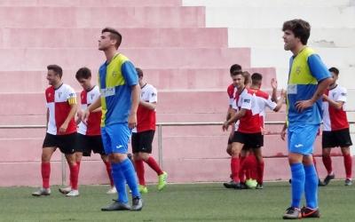 La decepció de Luque i Sergi Martí contrasta amb l'alegria, al fons, dels jugadors rubinencs | Sergi Park