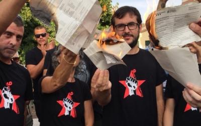 Els quatre encausats sabadellencs dels '9 de Lledoners' cremen les notificacions judicials | Ràdio Sabadell