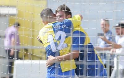 Els jugadors del Sabadell Nord celebren un dels gols contra el Manlleu | Roger Benet