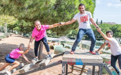 Els organitzadors de la cursa i representants de l'AMOH al Parc Catalunya | Roger Benet
