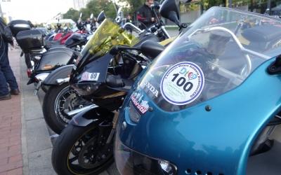 Les motos instal·lades a l'Eix Macià | Helena Molist