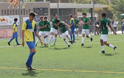 La Jonquera celebra un dels gols anotats ahir a Ca n'Oriac | Adrián Arroyo