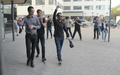 Els encausats entrant als Jutjats de Sabadell | Roger Benet