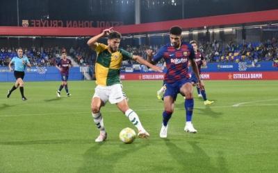 Néstor Querol ha tingut dificultats amb Ronald Araujo durant la tarda d'avui | Críspulo Díaz
